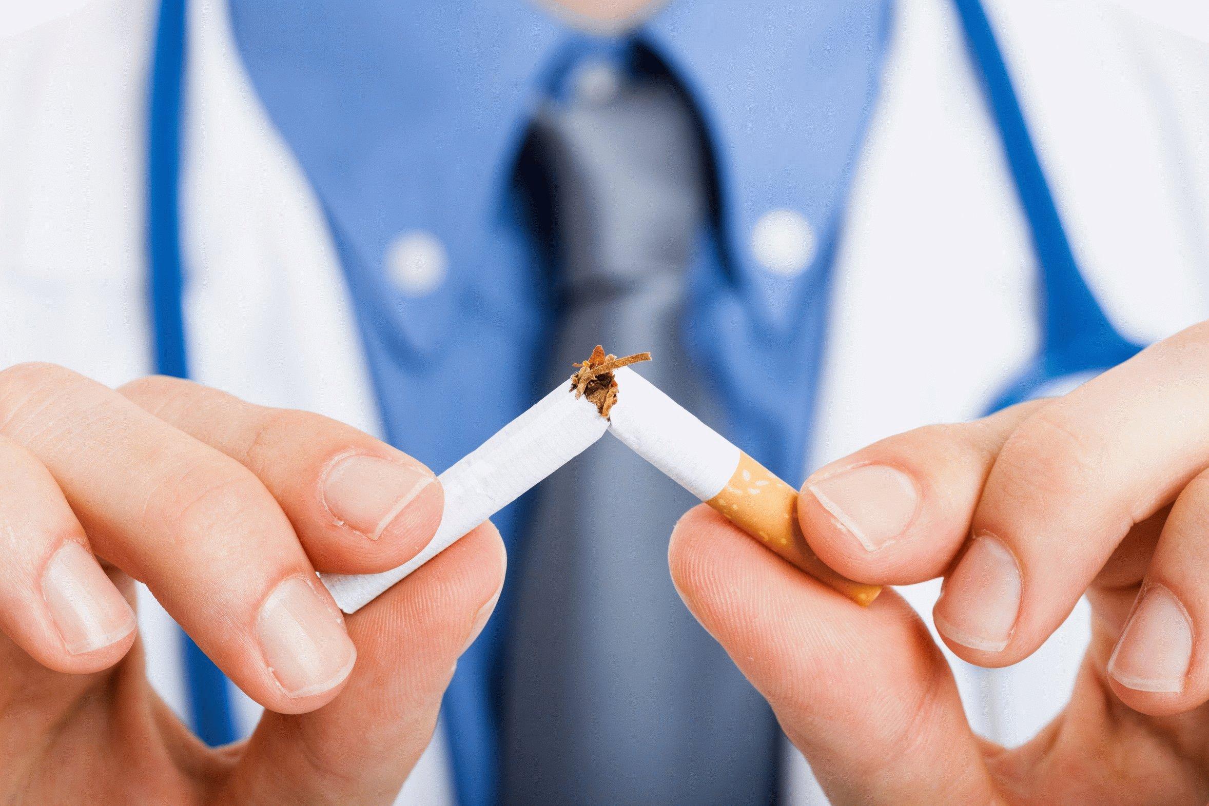 Врач со сломанной сигаретой