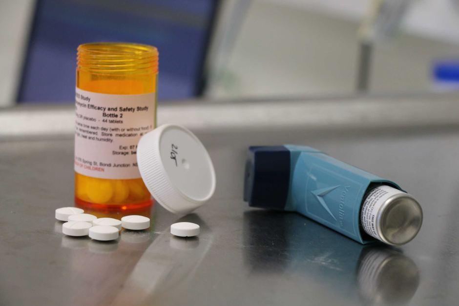 ингалятор и таблетки
