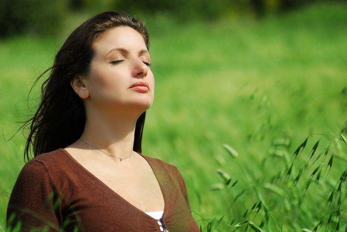 женщина на природе